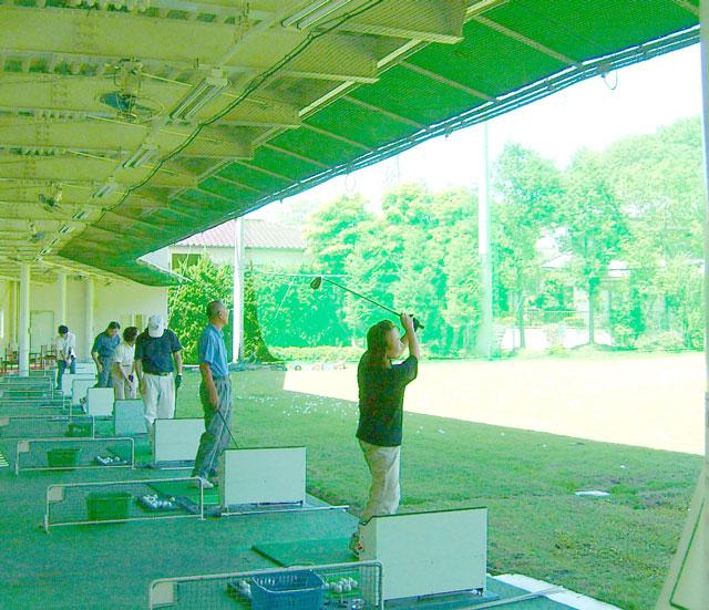 右から 女性ゴルファーNo1根岸貞子さん 五十嵐実さん 野澤さん 指田博子さん 秋田さん